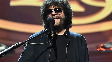 After 30 Long Years, Jeff Lynne's Got Some News That'll
