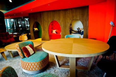 70s Style Google Office in London (25 Photos) - FunCage