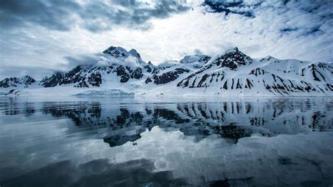 Svalbard Tours, Trips & Travel Packages : Arctic Holidays
