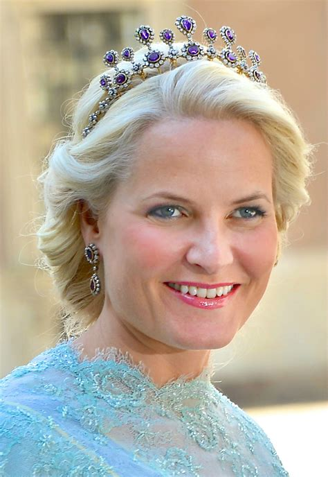 Crown Princess Mette-Marit Jewellery - Page 24 - The Royal