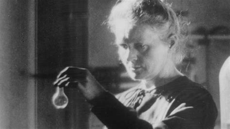 Marie Curie - Pioneering Scientist - Biography