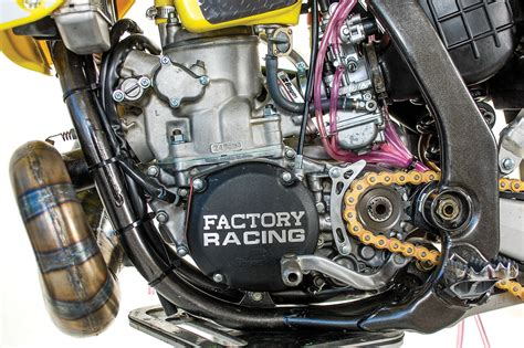 DIrt Bike Magazine | FROM BARN FIND TO RACER: RM250 2-STROKE