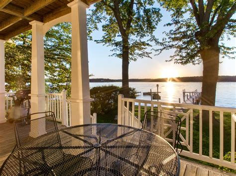 Beautiful Lakefront Home for Rent on Lake D