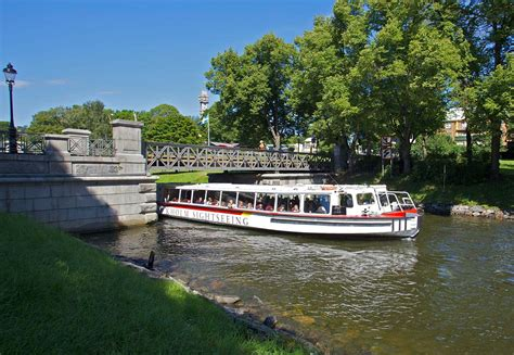 Boat sightseeing Stockholm – guided tours & Hop On-Hop Off