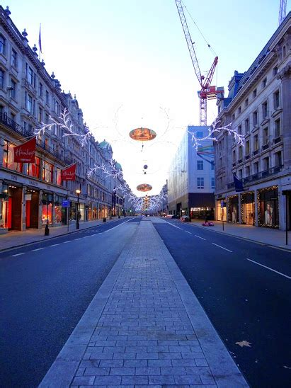 Christmas, The One Day London's Streets Are (Almost) Empty