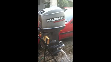 40HP MARINER MAGNUM 4 CYL 2-STROKE OUTBOARD RUNNING - YouTube